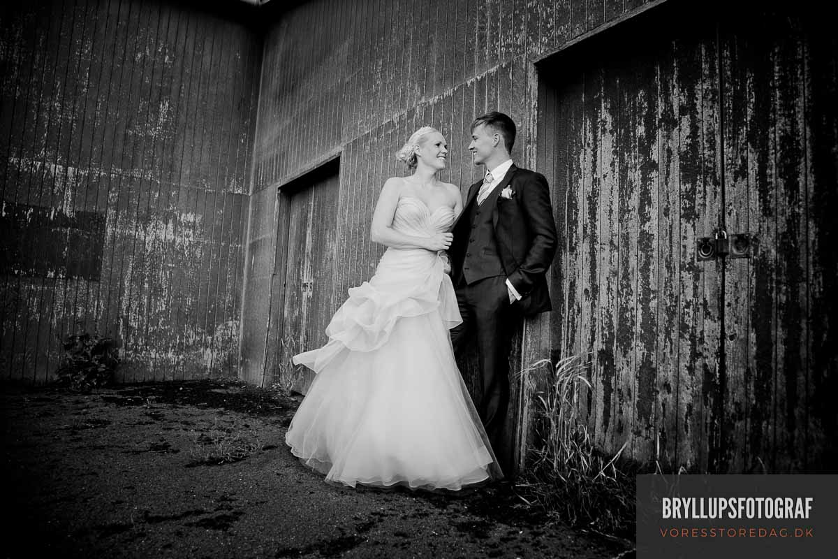 Black and White Wedding Photographs Verses Color Prints